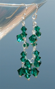 ldd-dangle-earrings-emerald